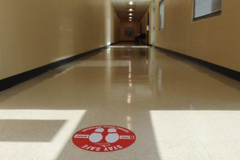 Distance markers in the hallway
